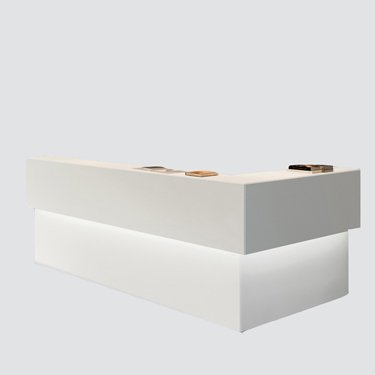 this modern counter RC-003 offers a modern and stylish look to your office space which your guests and visitors can admire every time when they come in