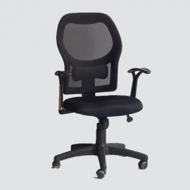 office chair lumbar support is strategically placed on the back to help maintain good posture and offer an added layer of support.